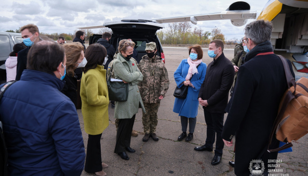 Ambassadors of six countries and diplomats meet in Kramatorsk to discuss peace in Donbas