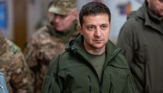 Зеленский завтра едет на восток Украины