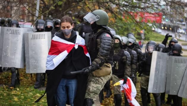 Білорусь не втихомирена. Але недільні марші втрачають своє значення