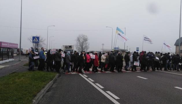 Proteste: Einzelunternehmer blockieren Fernstraßen