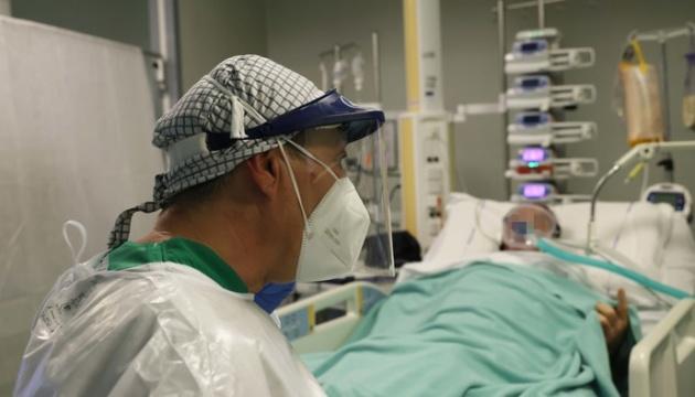 Італійські лікарі закликають владу ввести локдаун