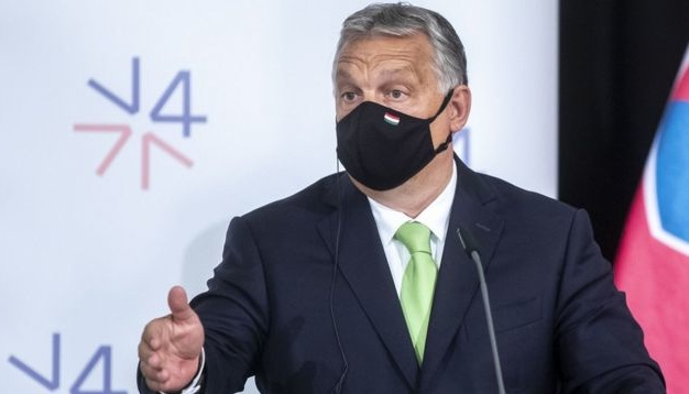 Орбан пояснив, чому угорців вакцинують російським «Спутником V»