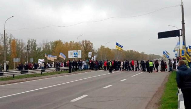 На Херсонщині учасники акції SaveФОП перекривають автомобільні дороги