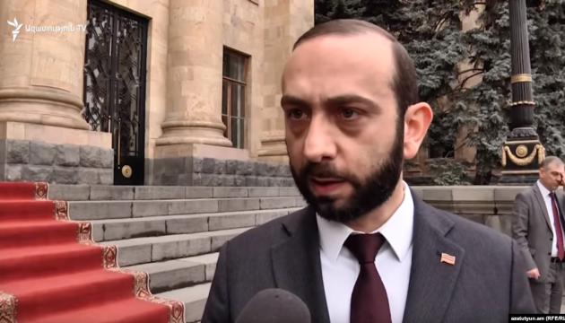 Спікера парламенту Вірменії госпіталізували після побиття протестувальниками