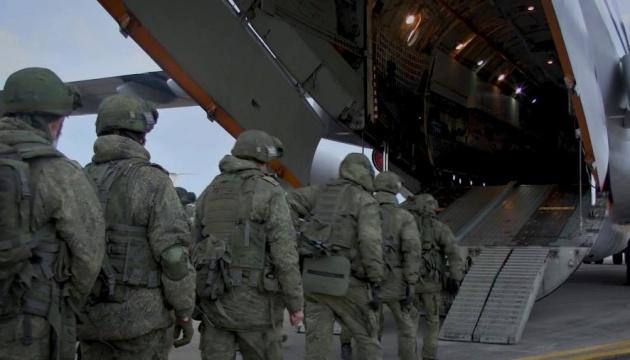 Росія відправила в Карабах вже 12 літаків з «миротворцями»