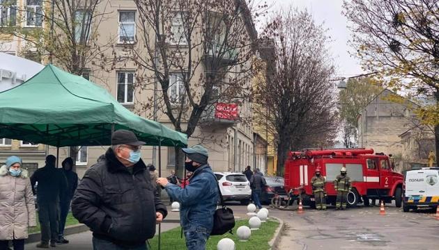 Звіробій заявила, що поліція шукає вибухівку в авто активістів, які їхали на її суд