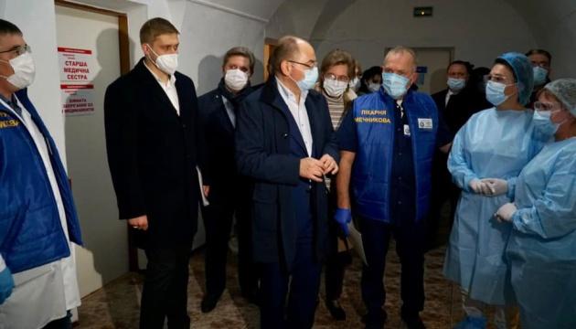 У лікарні Мечникова лежать 700 тяжких COVID-хворих - Степанов