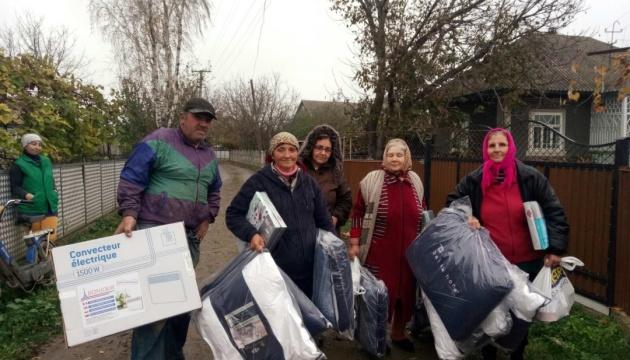 Українці США передали допомогу мешканцям Черновицького району та лікарні на Івано-Франківщині