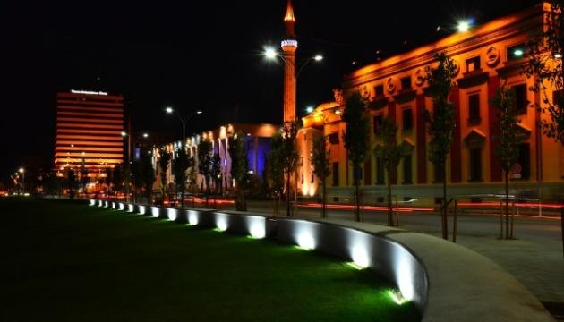 Албанія на три тижні вводить нічну комендантську годину