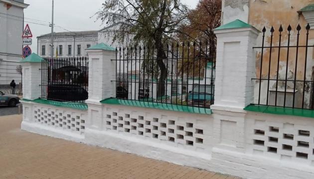 В Киеве реставрируют Покровскую церковь и колокольню