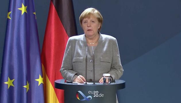 Меркель – про радикальних ісламістів: Украй необхідно знати, хто перетинає «Шенген»