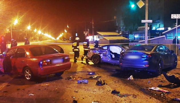 У Дніпрі зіткнулися п'ять авто, є загиблий і постраждалі