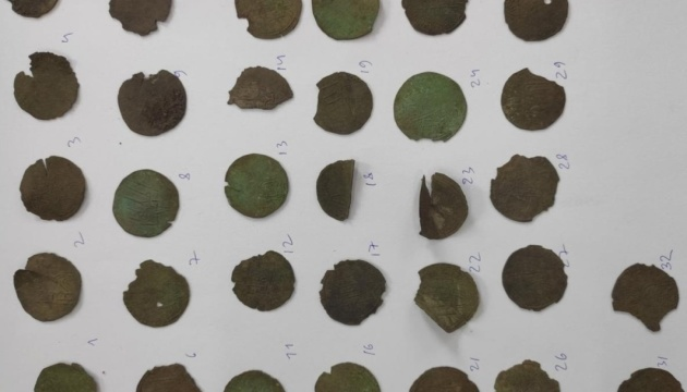 Городницький скарб відправили на дослідження в Національний музей історії