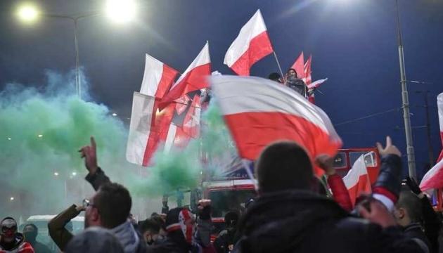 У Варшаві під час сутичок затримали сотні протестувальників, постраждали 35 поліцейських