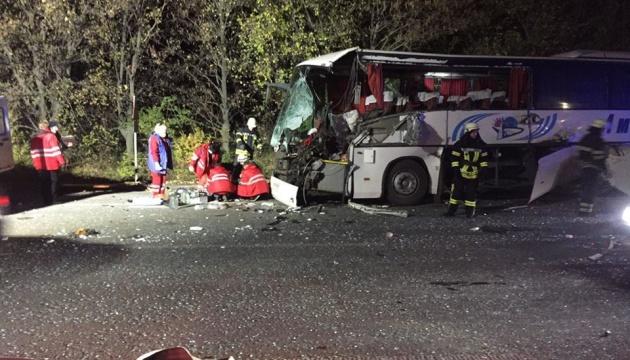 У Запорізькій області зіткнулися пасажирський автобус і трактор, є загиблий