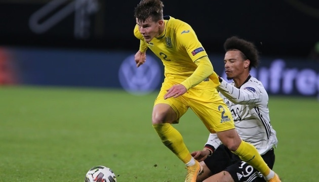 У трех футболистов сборной Украины выявили COVID-19, матч в Швейцарии - под вопросом