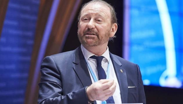 Президент ПАСЕ прервал визит в Москву из-за контакта с COVID-инфицированным