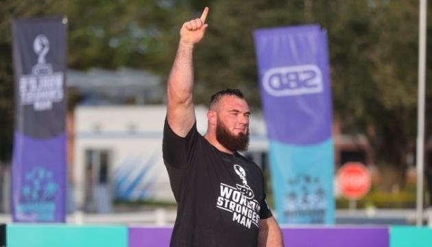 「世界最強の男」大会にて、ウクライナのノヴィコウさん優勝