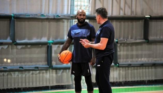 Баскетбольный клуб «Будивельнык» возобновил тренировки