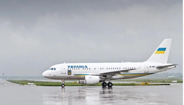 Компанія з ОАЕ покращить доступ до інтернету на борту літака Зеленського