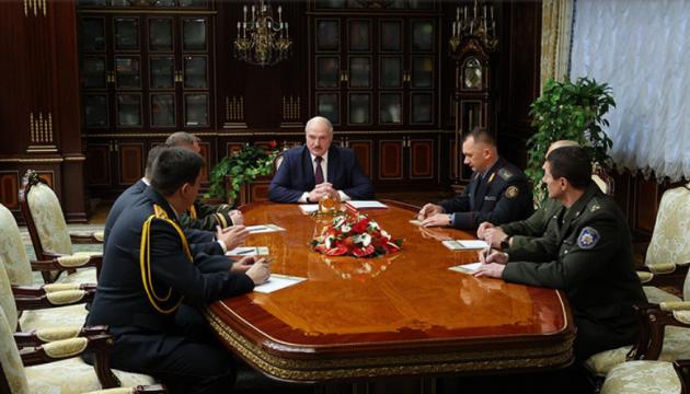 У Лукашенка - «кадровий четвер»: ротації в МВС, новий міністр культури і посли