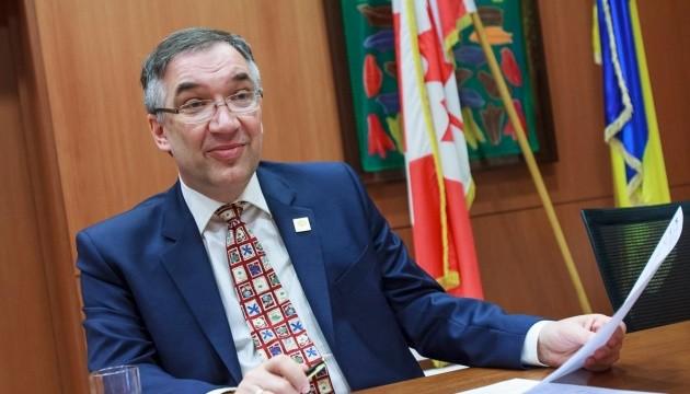 Що було не так із західною підтримкою реформ в Україні – експосол Канади Роман Ващук