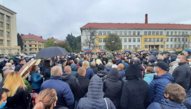 Закарпатская ОГА: из-за «электоральных заигрываний» власти Ужгорода в городе ширится COVID-19