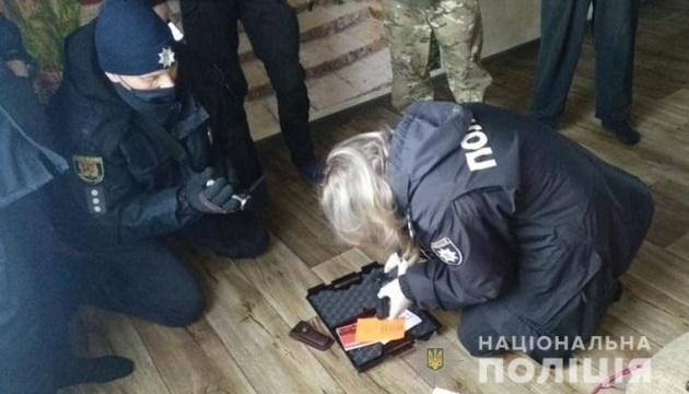 На Луганщині поліція прийшла з обшуком до ветерана АТО
