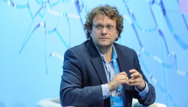 СМИ должны думать об эффекте и последствия материалов - Померанцев
