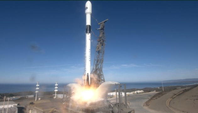 SpaceX отправила на орбиту Falcon 9 с спутником для изучения океана