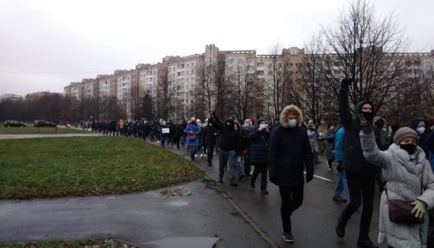 Автозаки та закрите метро: режим Лукашенка готується до «Маршу проти фашизму»