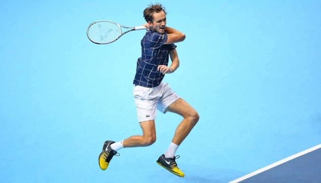 Медведев обыграл Тима в финале Итогового турнира АТР