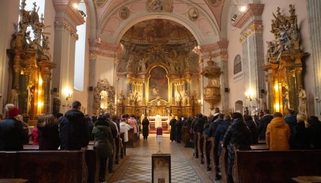 В Будапешті парафія УГКЦ започаткувала безстрокову акцію з підтримки бідних продуктами