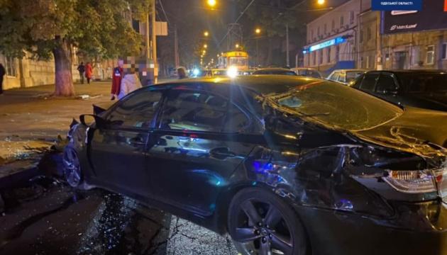 В Одесі швидка потрапила в ДТП і перекинулася