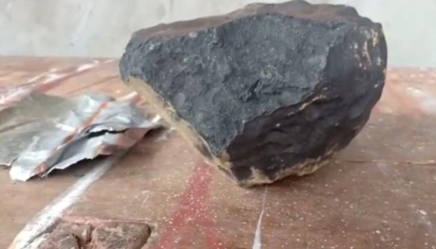 Деньги с неба: метеорит сделал индонезийца миллионером