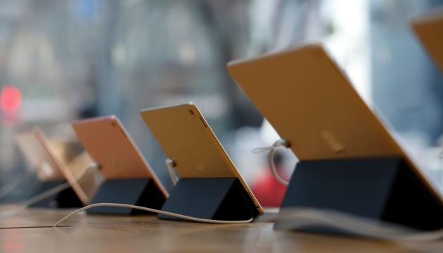 Главу служби безпеки Apple звинувачують у підкупі копів айпадами