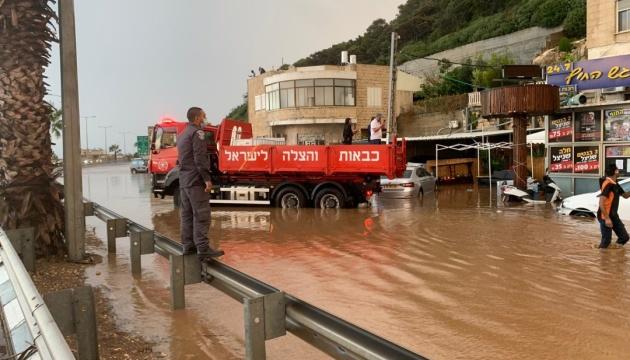 В Израиле мощные ливни привели к наводнениям