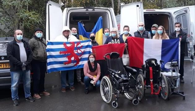 20 тонн гумдопомоги: в Об'єднанні українок Люксембургу розповіли про допомогу госпіталям і медикам