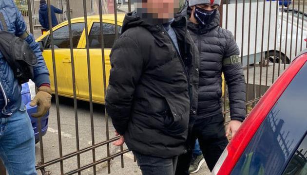 На хабарі у 100 тисяч гривень впіймали посадовця філії Укрзалізниці