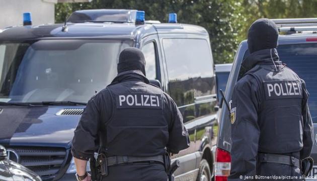 Нелегальне працевлаштування українок: близько тисячі силовиків провели обшуки у Німеччині