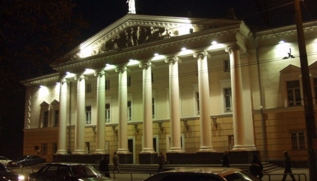 Винницкий академический муздрамтеатр покажет премьеру «Бала негодяев»