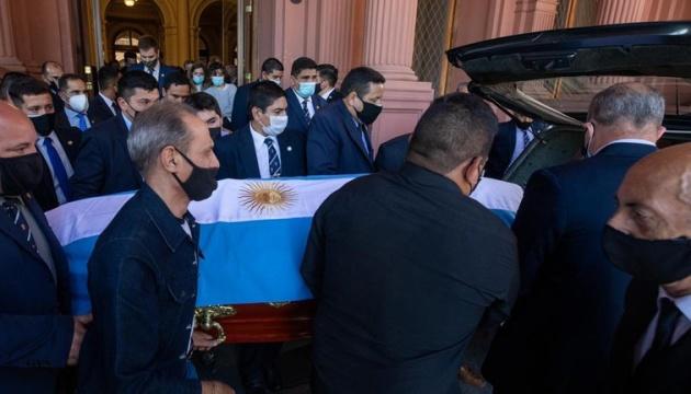 Аргентинський суд заборонив кремацію Марадони