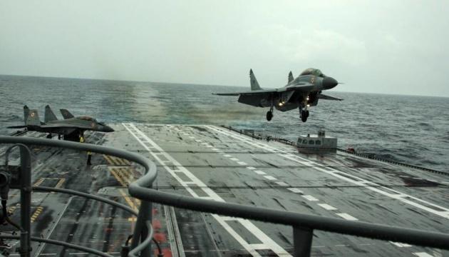 В Індії в море впав МіГ-29К, пілота шукають