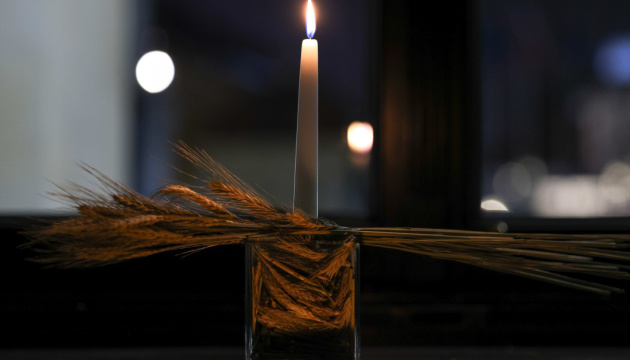 У президента Польши зажгли свечу в память о жертвах Голодомора
