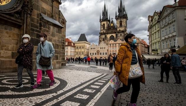 Чехія послаблює карантин — відкриваються ресторани та фітнесцентри