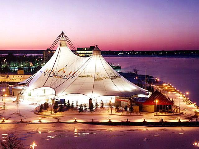 наметовий Павільйон у рідному містечку Су-Сент-Марі, провінція Онтаріо першої канадської жінки-астронавтки 2