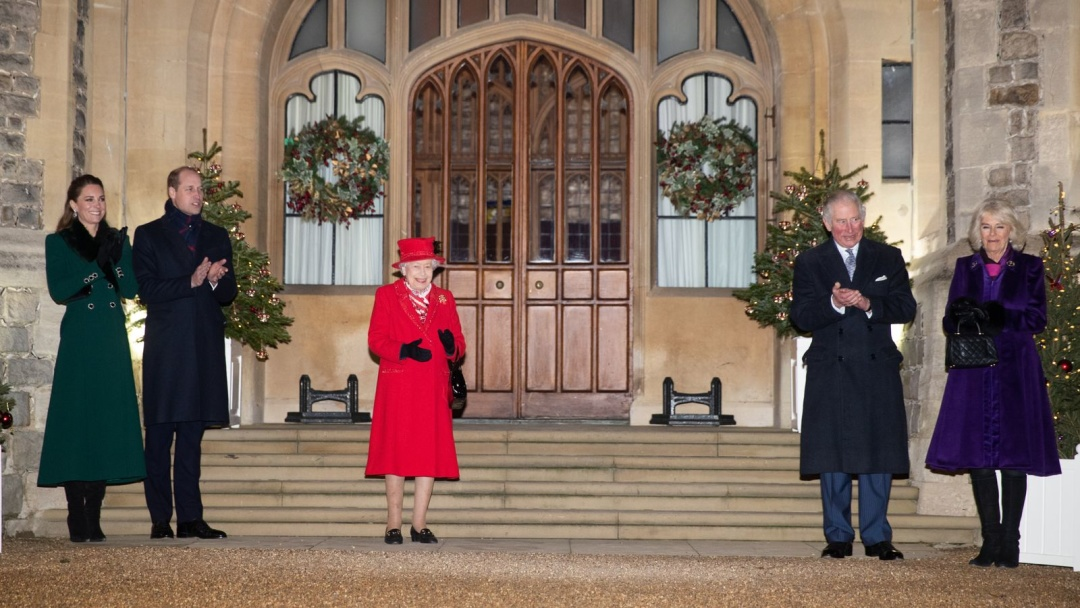 Британская королева впервые с начала пандемии увиделась с родственниками