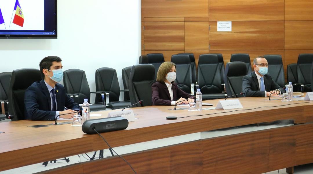 Кулеба после встречи с Санду: Украина готова открыть новую страницу