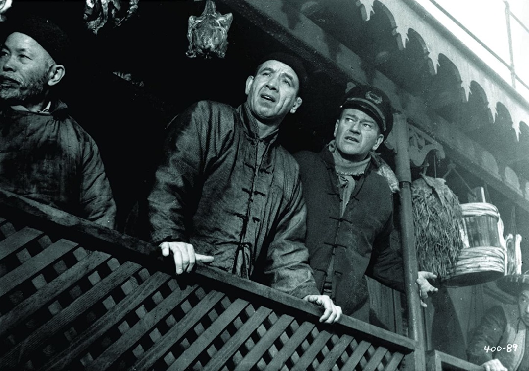 """кадр зі стрічки """"Кривава алея"""", разом із Джоном Уейном, 1955 р."""