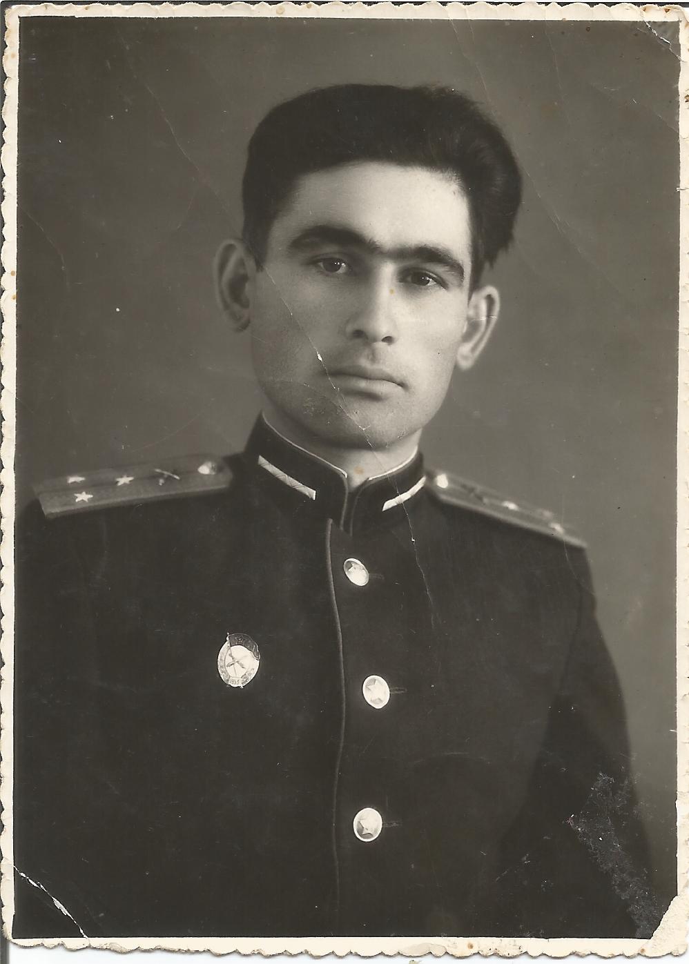 Фото 1 – Георгій Кіроянц, офіцер Радянської армії